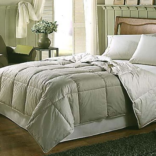 Down Alternative MicroDenier Polyester Filled Comforter